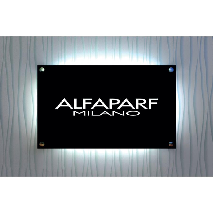 Beltéri világító tábla Alfaparf Milano logóval